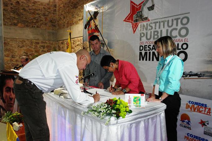 Firma acuerdos
