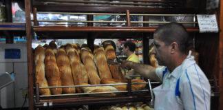 Precio del pan canilla debería ser en Bs. 100