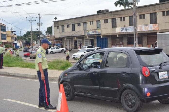 Policía de Libertador atiende más de 450 denuncias a través del 0800-Liberta