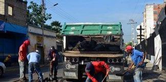 Alcaldía de Guacara continúa rehabilitación de vías del municipio