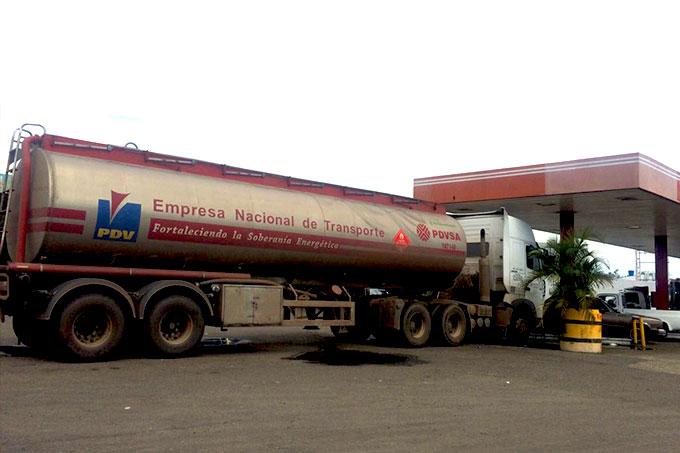 Pdvsa y Fenegas garantizarán suministro de combustible