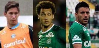 tres futbolistas