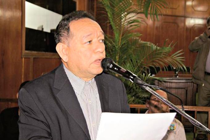 Pineda: «Gobierno se esfuerza por dignificar labor del maestro»