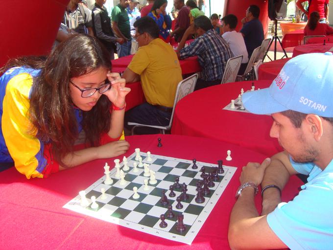 Con éxito se realizó Simultáneo de Ajedrez en la plaza Bolívar de Guacara