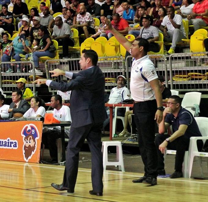 Fernando Calero fue cesado como DT de Bucaneros de La Guaira