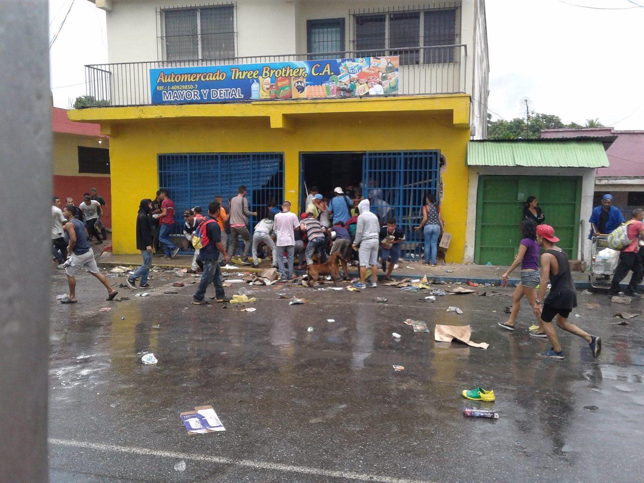 Grupo de delincuentes robaron locales en Naguanagua (1)
