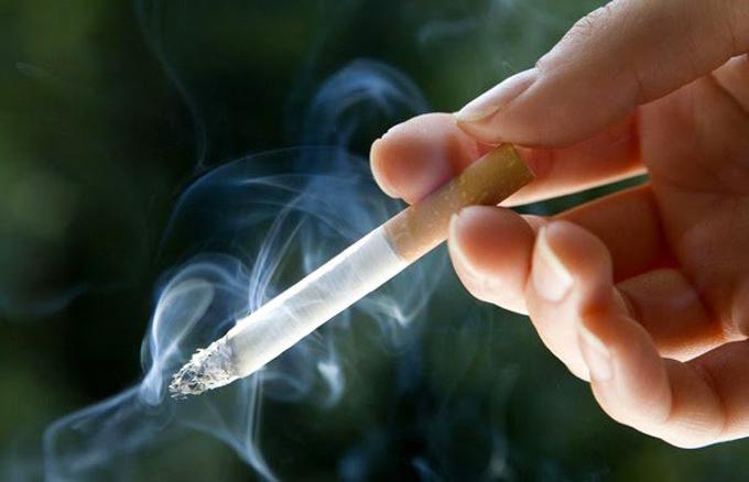 Fumar Quemó cigarrillos