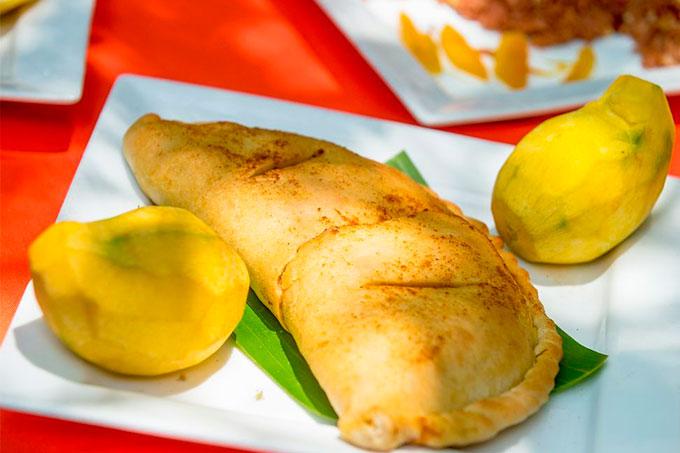 empanadas de mango