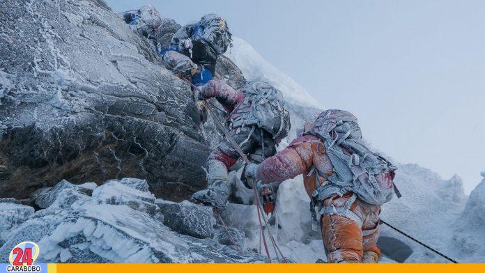 noticias24carabobo-Mueren alpinistas por embotellamiento en el monte Everest
