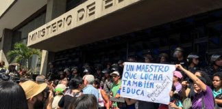 noticias24carabobo-¡Sin-respuesta!-Colectivo-de-universitarios-exigen-cumplimiento-de--contrato---WEB-N24