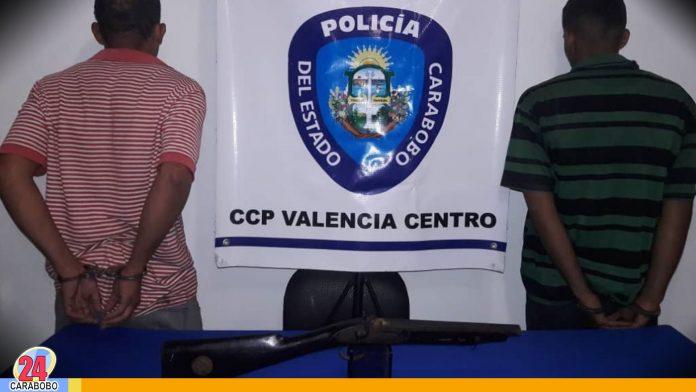 N24C - Durante labores de investigación efectivos policiales; aprehendieron a dos sujetos solicitados por robo .............