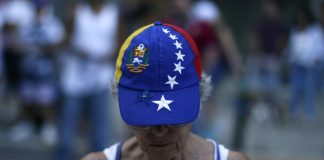 gorra tricolor