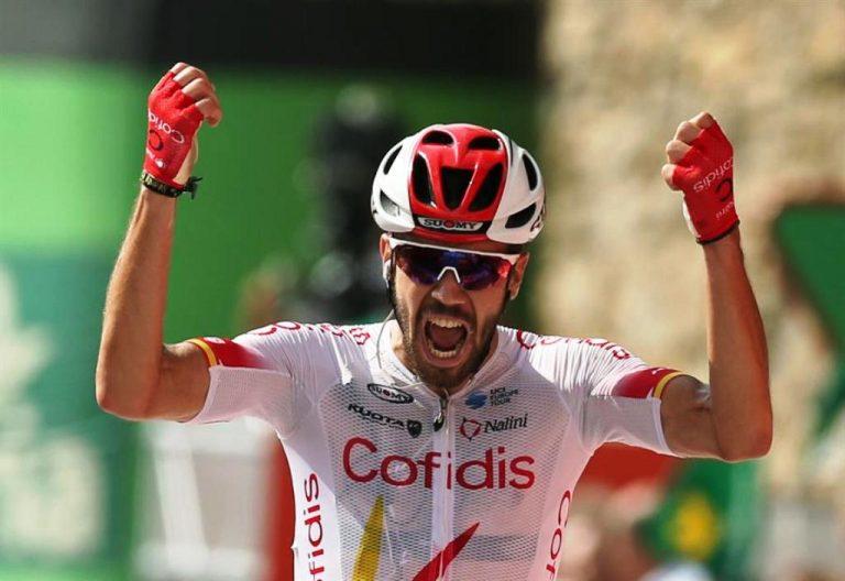 Jesús Herrada ganó la etapa y Dylan Teuns desbancó a «Superman» López