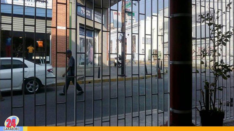¡Aceras sin rampa! Discapacitados pasan trabajo en Valencia