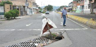 Hueco en la avenida Enrique Tejera