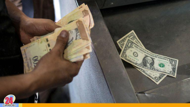 Dólares en la ciudad, la mayoría de los negocios acepta el pago
