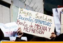 Protestas en el Ministerio de Educación