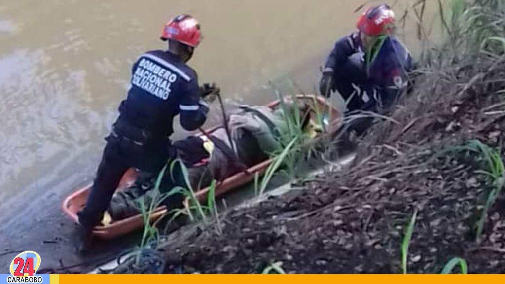 vehículo cayó al río Guaire