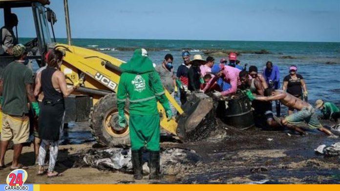 Marea negra en Brasil: Barco griego sospechoso por derrame de crudo