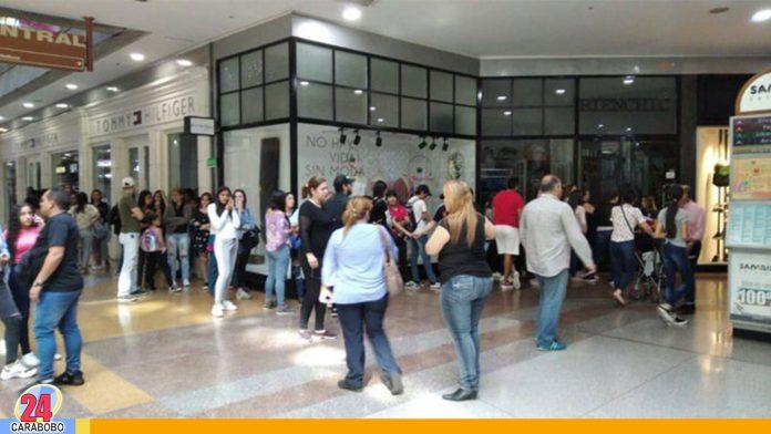 Black Friday en Venezuela: Reportan colas en centros comerciales