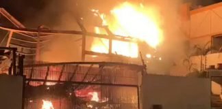 Incendio en Los Naranjos arrasó una vivienda este martes
