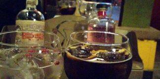 Pareja se embriagaba en locales nocturnos y arremetía contra clientela