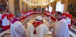 Vaticano releva al jefe de control financiero tras escándalo