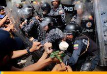 Protestas en la UCV: Estudiantes y policíasse enfrentaron