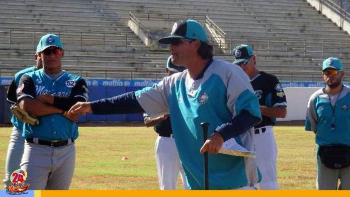 Alex Núñez y Bravos - Alex Núñez y Bravos