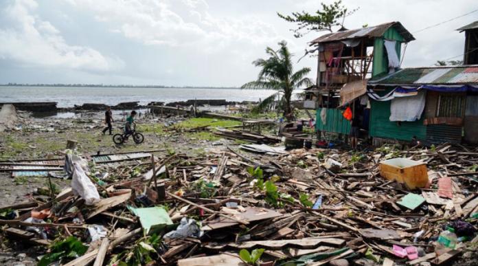 Tifón Phanfone dejó al menos 16 muertos en Filipinas