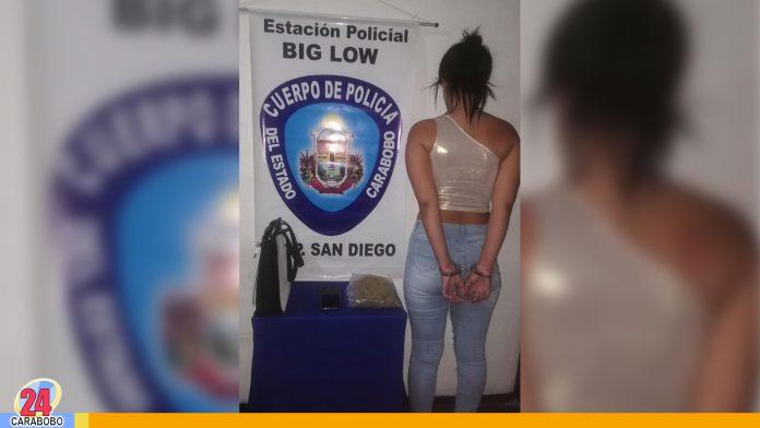 Capturada mujer con panela de droga en el Big Low Center