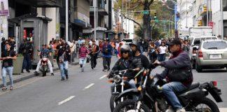 colectivos atacaron comisión de diputados de la Asamblea Nacional