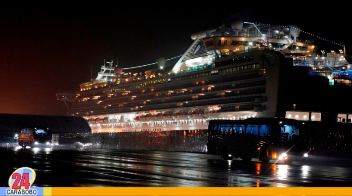 Se elevan casos de coronavirus en crucero Diamond Princess