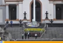 Pancartas de Óscar Pérez amanecieron en el Panteón Nacional