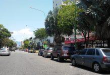 largas colas por combustible en Carabobo