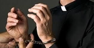 Sacerdotes con pornografía infantil - Sacerdotes con pornografía infantil