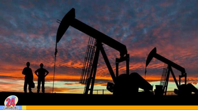 Caída histórica del petróleo