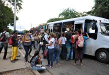Viajar en transporte público - Viajar en transporte público