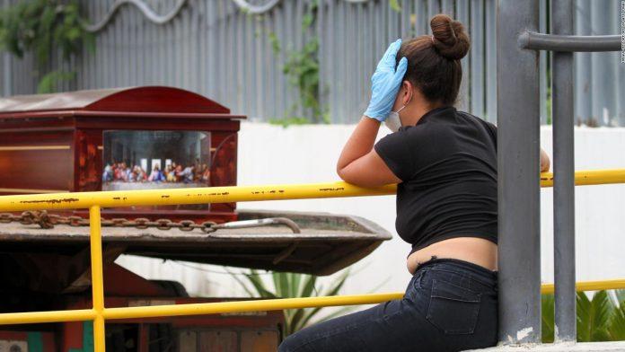 Guayaquil es zona de desastre - Guayaquil es zona de desastre