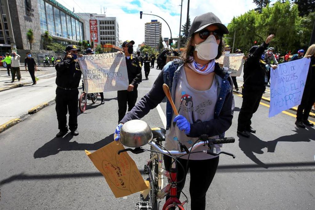 Ecuador cerrará tres embajadas - noticias24 Carabobo