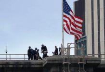 Rescatan a hombre que amenazó con lanzarse desde el puente de Brooklyn, Nueva York