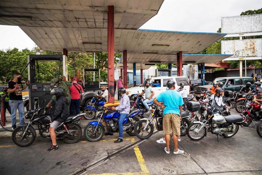 Tanquero Clavel llegó a El Palito - noticias24 Carabobo