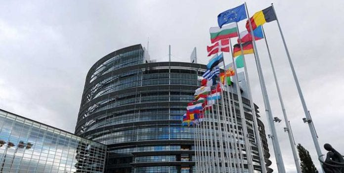 Unión Europea sanciona a Luis Parra