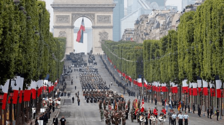 Francia canceló tradicional desfile militar del 14 de julio
