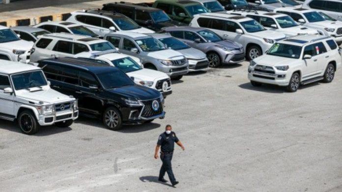 81 vehículos incautados en Florida