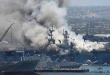 incendio en buque de EEUU