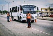 desinfección del transporte colectivo en Libertador