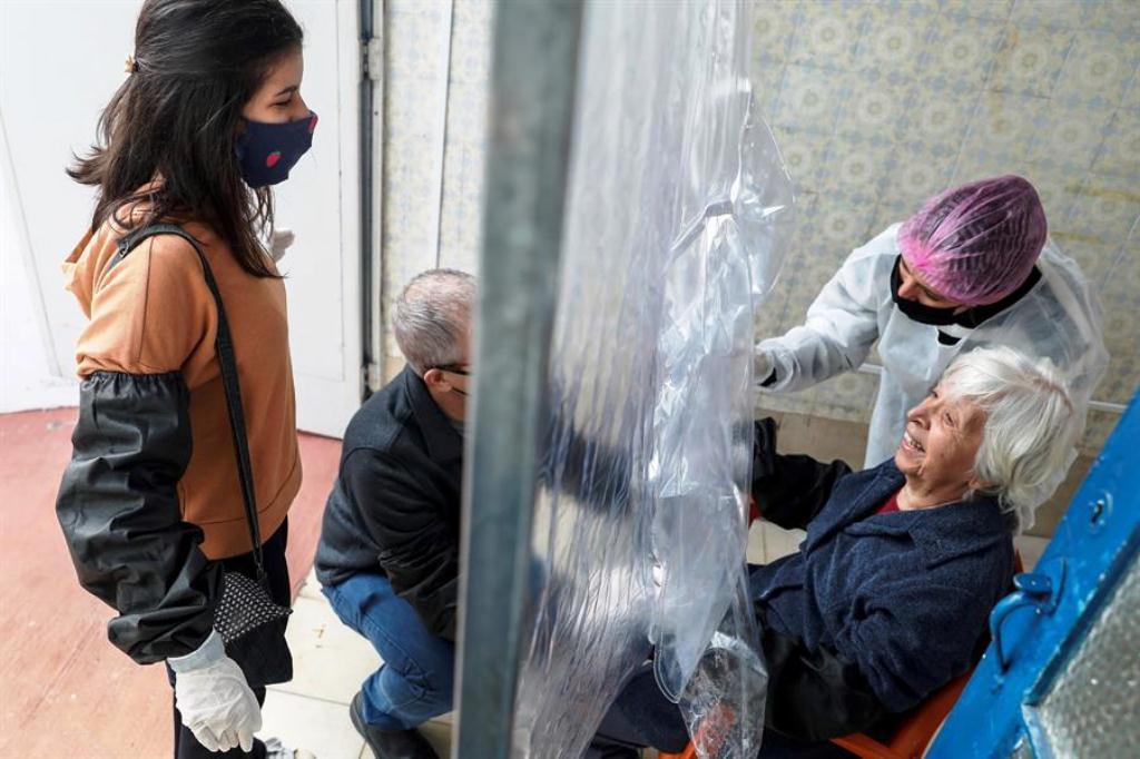 Cortina de abrazos . noticias24 Carabobo