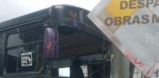 Choque de camioneta de pasajeros - Choque de camioneta de pasajeros