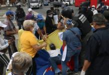 protesta para exigir aumento de pensió